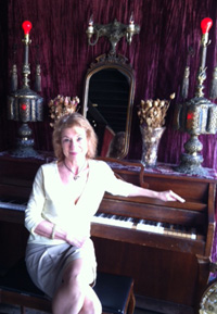 maria with piano